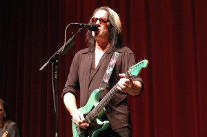Rundgren meets Robert Johnson and takes it to the bank! Photo courtesy RundgrenRadio / Doug Ford