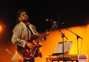 Producer/Engineer extraordinaire, Alan Parsons shows off his live cred. Photo by Lynn Vala